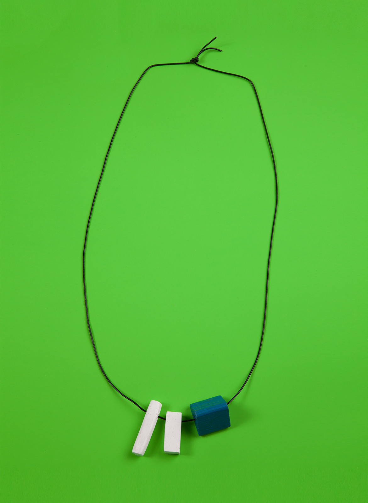 chadkouri-modularnecklace-greenbackground