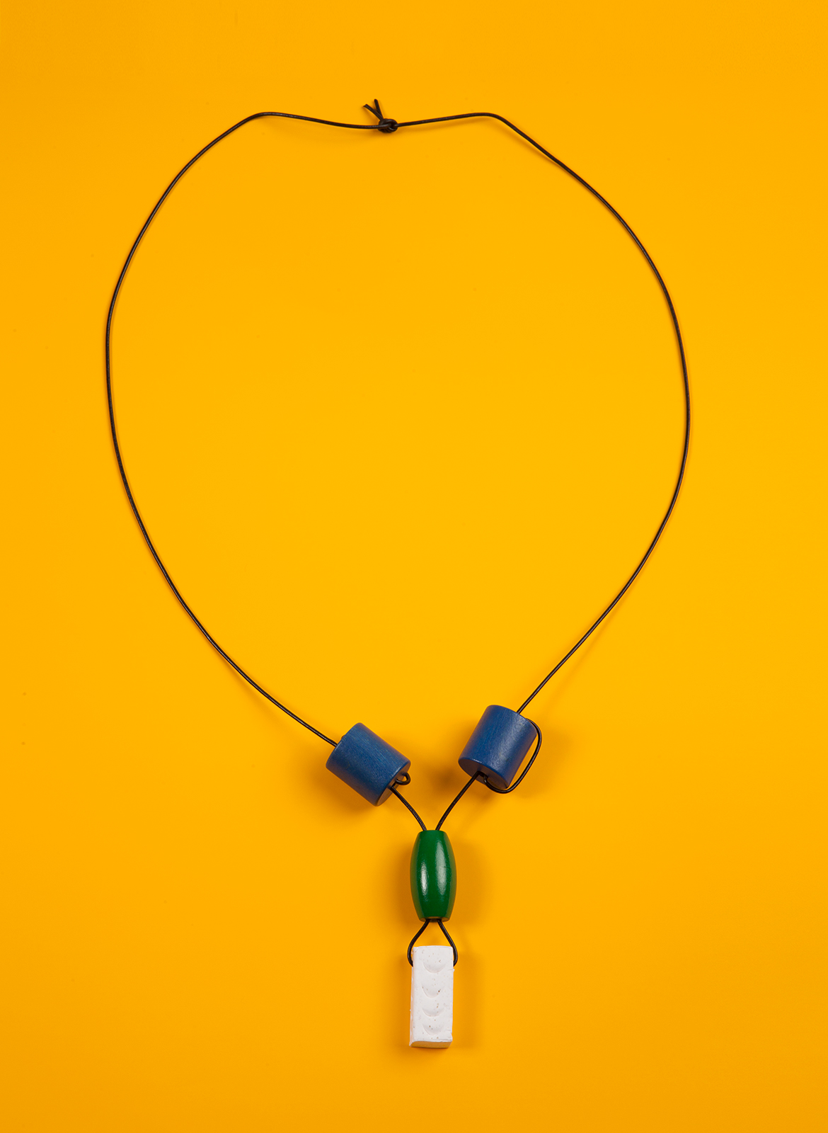 chadkouri-modularnecklace-yellowbackground
